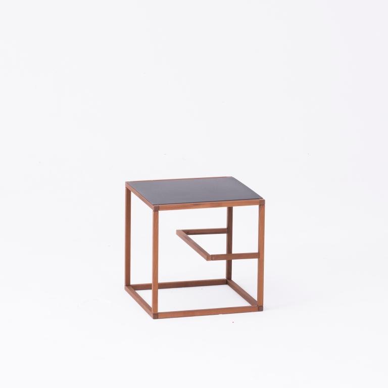 Main 2 / Text Block Wood