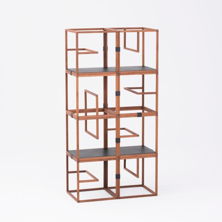 Main 4 / Text Block Wood